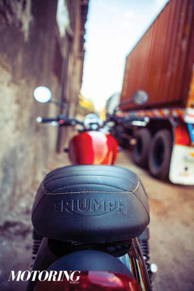 Triumph Bonneville Street Twin Ducati Scrambler Icon (16)